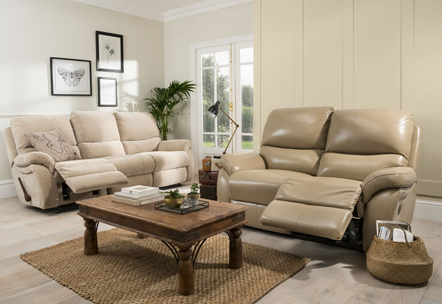 Carlton range featuring recliners, sofas and chairs