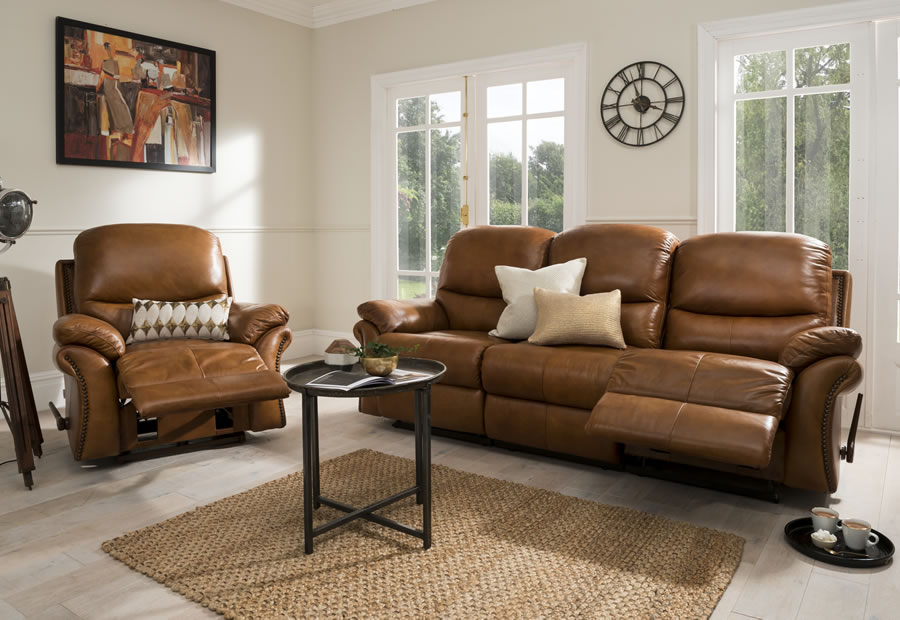 Savannah range featuring recliners, sofas and chairs
