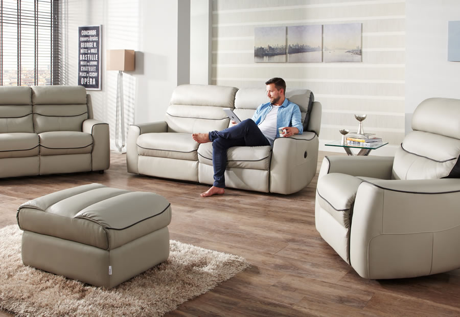 Missouri range featuring recliners, sofas and chairs